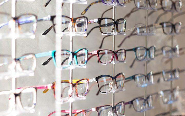 glasses in Arabic