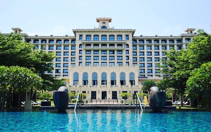 hotel in Arabic