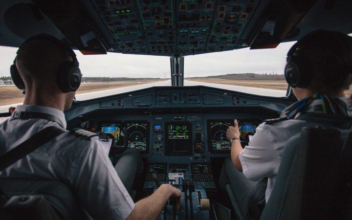 pilot in arabic