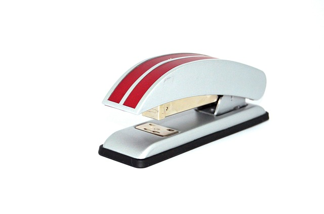 stapler in arabic