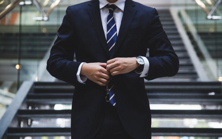 suit in Arabic