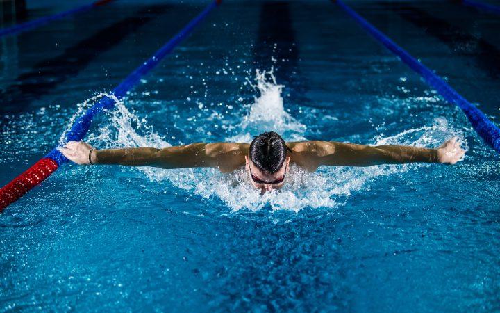 swimming in Arabic