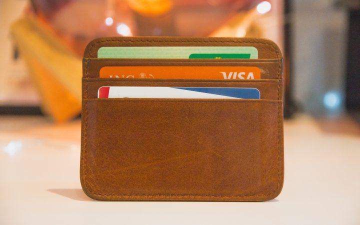 wallet in Arabic
